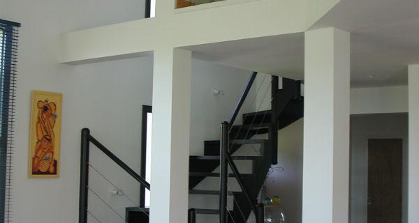 Escalier à poteaux rond