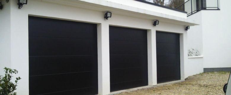 Porte de garage sectionnelle lisse