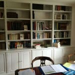 Bibliothèque en médium peint